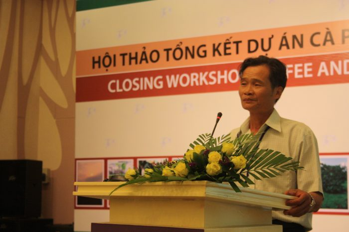 Coffee farmer Pham Van Hoan sharing his experience during the closing workshop in Vietnam.